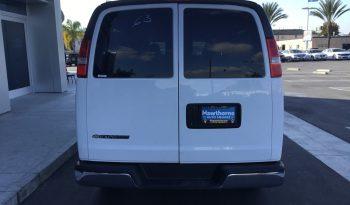 2017 Chevrolet Express 3500 Passenger full