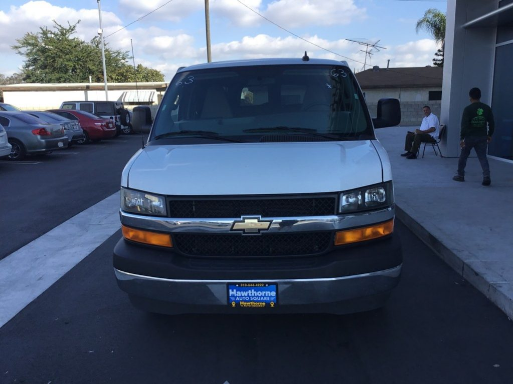 2017 Chevrolet Express 3500 Passenger full